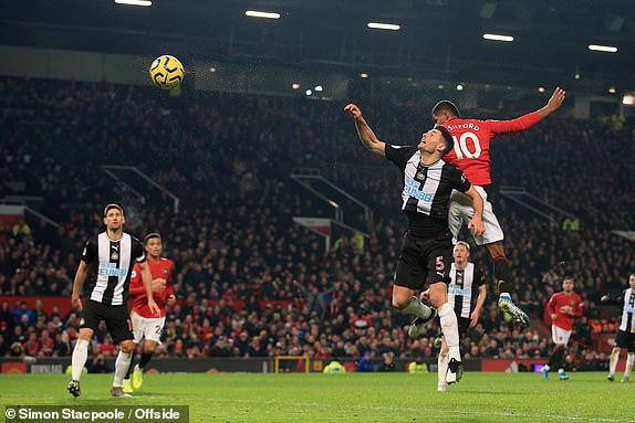 Man Utd 4-1 Newcastle: Quỷ đỏ thôi phát quà - Ảnh 2.