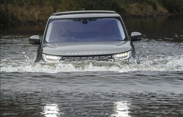 Xe nào có khả năng lội nước đỉnh nhất? - Ảnh 1.