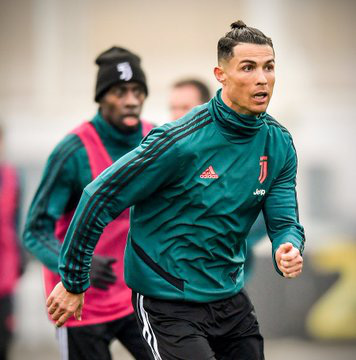 Nhái Bale, Ronaldo bị chê tơi tả - Ảnh 10.