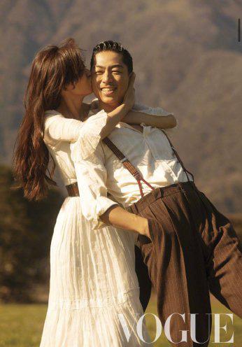 Vợ chồng Lâm Chí Linh ngọt ngào và tình tứ trên Vogue - Ảnh 3.