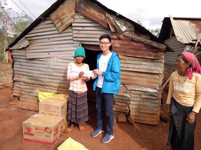 Nam sinh lớp 12 triển khai 15 dự án từ thiện hỗ trợ học sinh nghèo - Ảnh 2.