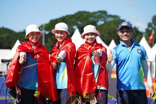 Khoảnh khắc ấn tượng trong ngày thi đấu 8/12 tại SEA Games 30: Ngày vàng của thể thao Việt Nam - Ảnh 2.
