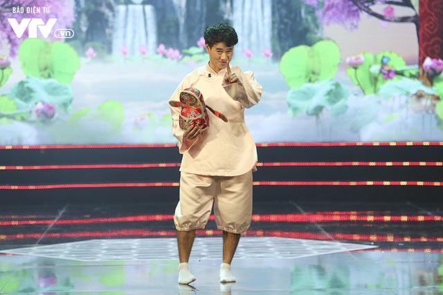 Trang phục hé lộ những màn tung hứng khó đỡ của Táo quân 2019 - Ảnh 2.