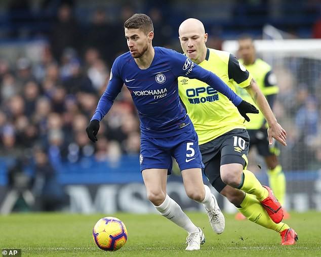 HLV Sarri tiết lộ cách Chelsea tấn công Man City ở đại chiến tại Etihad - Ảnh 1.