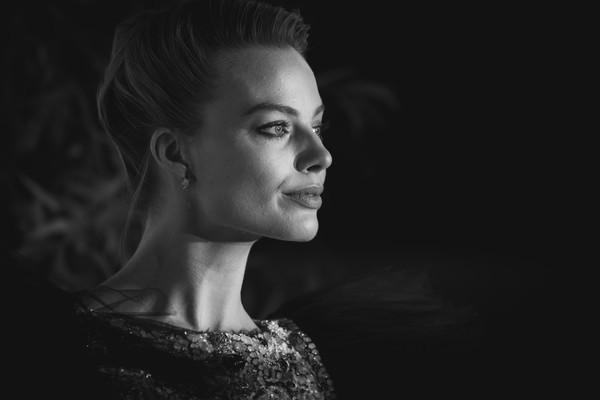 Những khoảnh khắc tuyệt đẹp của sao thế giới tại BAFTA 2019 - Ảnh 9.