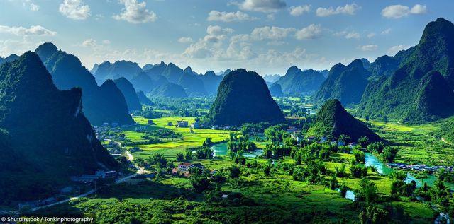 Báo Anh giới thiệu chùm ảnh tuyệt đẹp về Việt Nam - Ảnh 2.