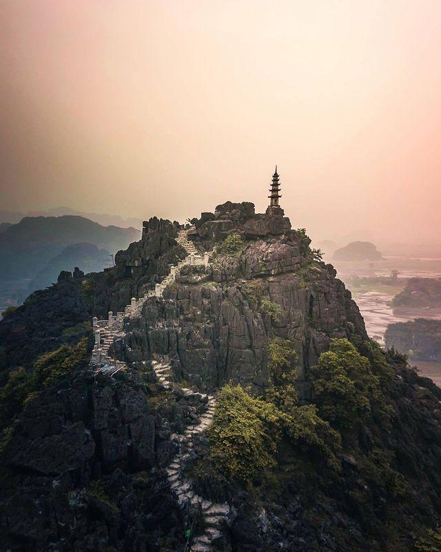 Ngỡ ngàng với 4 địa danh Vạn lý trường thành đẹp mê hồn ở Việt Nam - Ảnh 1.