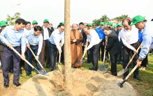 Thủ tướng mong mỗi gia đình ở Thủ đô trồng một cây, tạo nét đẹp mới của Hà thành - Ảnh 1.