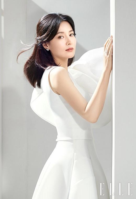 Lee Young Ae xứng đáng là tượng đài nhan sắc của Kbiz - Ảnh 4.