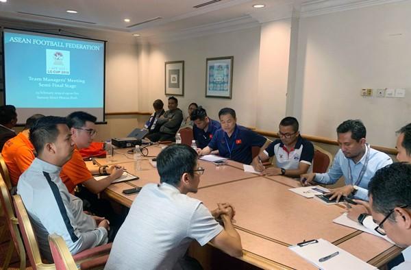 Trước bán kết, ĐT U22 Việt Nam đề xuất đổi giờ thi đấu để tránh nóng - Ảnh 1.