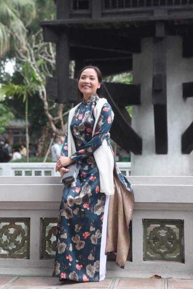Nhan sắc đáng ngưỡng mộ ở tuổi ngoài 50 của Lê Vân, Lê Khanh, Lê Vi - Ảnh 11.