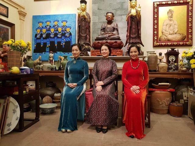 Nhan sắc đáng ngưỡng mộ ở tuổi ngoài 50 của Lê Vân, Lê Khanh, Lê Vi - Ảnh 3.