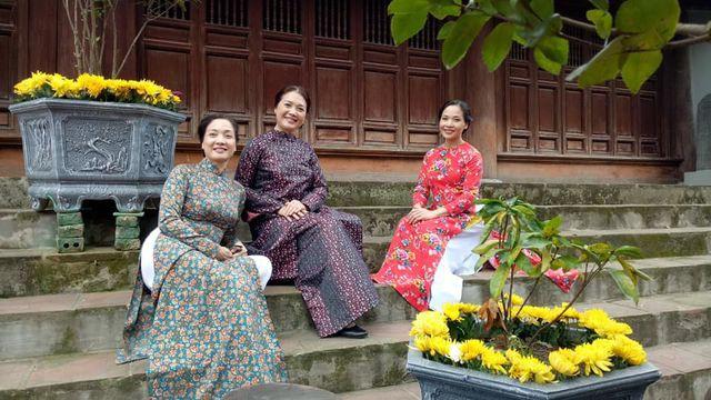 Nhan sắc đáng ngưỡng mộ ở tuổi ngoài 50 của Lê Vân, Lê Khanh, Lê Vi - Ảnh 5.
