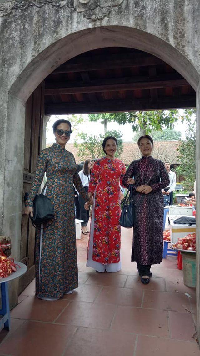 Nhan sắc đáng ngưỡng mộ ở tuổi ngoài 50 của Lê Vân, Lê Khanh, Lê Vi - Ảnh 6.