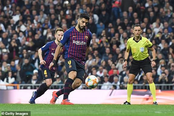 ẢNH: Real Madrid gục ngã trước Barcelona trong trận cầu Siêu kinh điển - Ảnh 12.