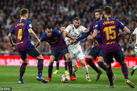 ẢNH: Real Madrid gục ngã trước Barcelona trong trận cầu Siêu kinh điển - Ảnh 3.