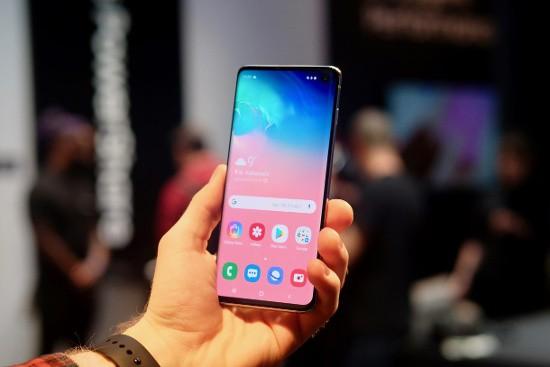 10 tính năng chỉ Galaxy S10 mới có - Ảnh 1.