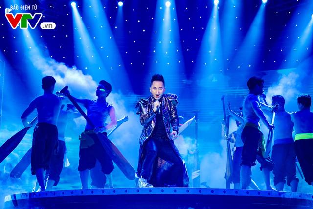 Tùng Dương đốt cháy sân khấu 12 Con giáp 2019 - Ảnh 12.