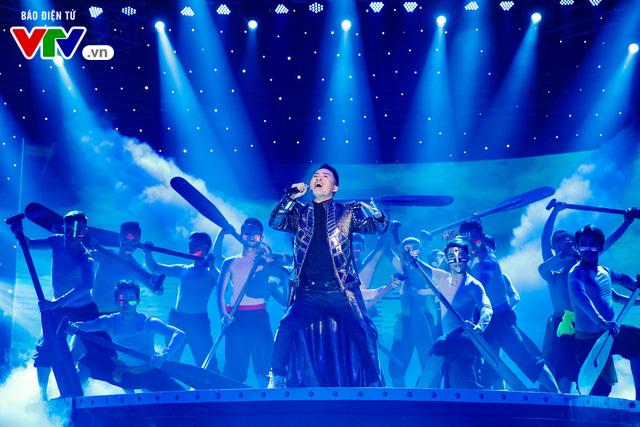 Tùng Dương đốt cháy sân khấu 12 Con giáp 2019 - Ảnh 11.