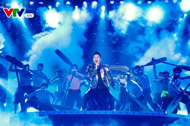 Tùng Dương đốt cháy sân khấu 12 Con giáp 2019 - Ảnh 10.