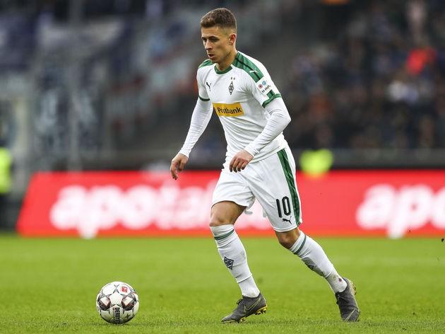 Đoàn Văn Hậu được đội bóng top đầu Bundesliga để ý - Ảnh 2.