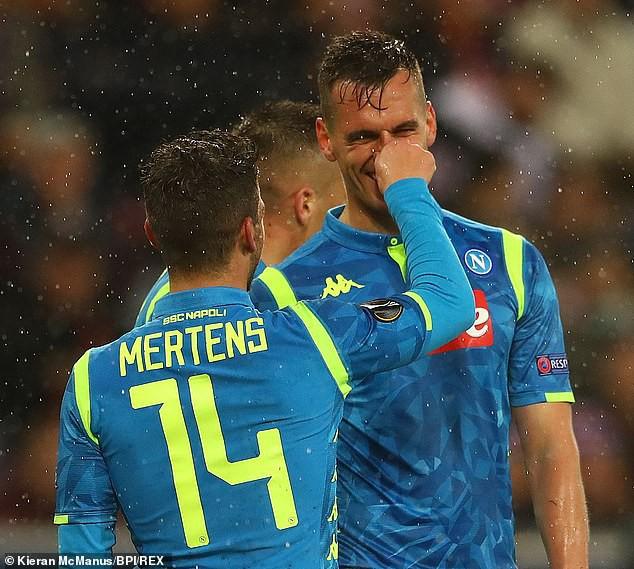 Kết quả lượt về vòng 1/8 Europa League: Arsenal, Chelsea vào tứ kết với những chiến thắng đậm - Ảnh 7.