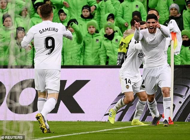 Kết quả lượt về vòng 1/8 Europa League: Arsenal, Chelsea vào tứ kết với những chiến thắng đậm - Ảnh 6.