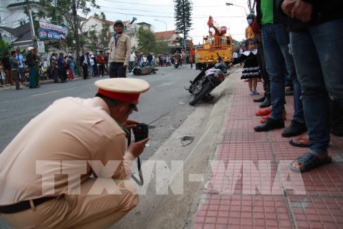 Đà Lạt: Tài xế nghi ngáo đá tông hàng loạt xe trên phố - Ảnh 1.