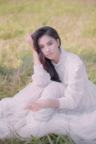 Hoa hậu Tiểu Vy khoe nhan sắc ngọt ngào sau nửa năm đăng quang - Ảnh 5.