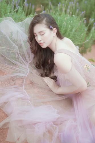 Hoa hậu Tiểu Vy khoe nhan sắc ngọt ngào sau nửa năm đăng quang - Ảnh 8.