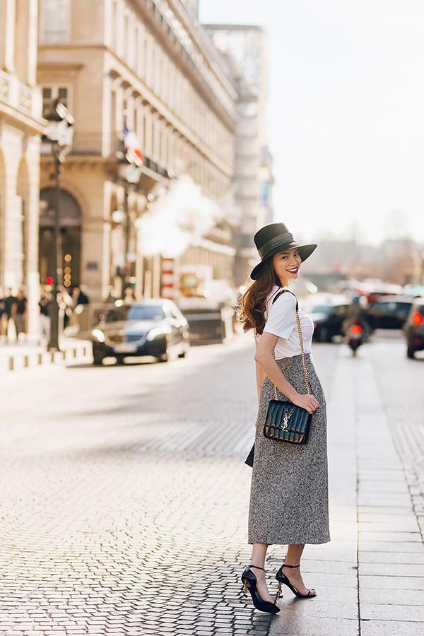 Hồ Ngọc Hà sành điệu, chất lừ trên đường phố Paris - Ảnh 7.