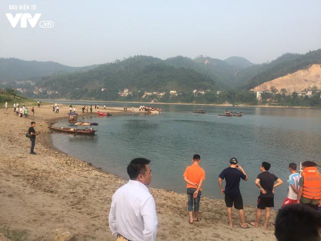 Người ngụp lặn cứu vớt 3 học sinh đuối nước hé lộ nguyên nhân vụ tai nạn thương tâm - Ảnh 2.