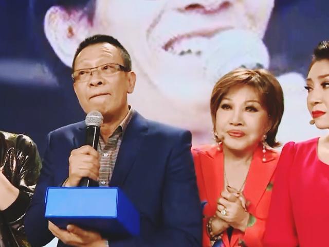 Nhà báo Lại Văn Sâm tiết lộ về thuở cơ cực phải phụ mẹ vợ bán hàng ở chợ Đồng Xuân - Ảnh 1.