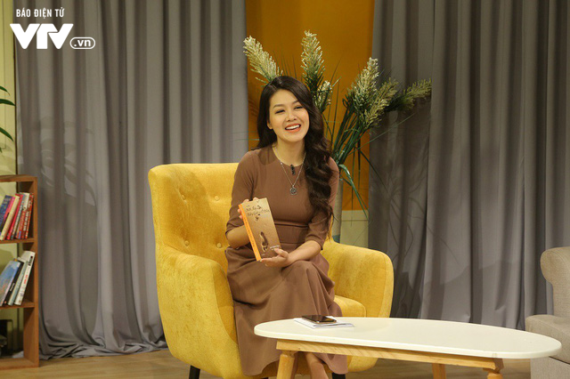 MC Phí Linh - Hồng Nhung rạng rỡ khoe sắc trên trường quay Bây giờ và ở đây - Ảnh 7.