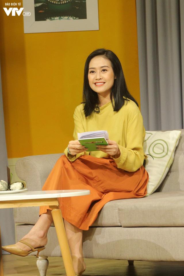 MC Phí Linh - Hồng Nhung rạng rỡ khoe sắc trên trường quay Bây giờ và ở đây - Ảnh 8.