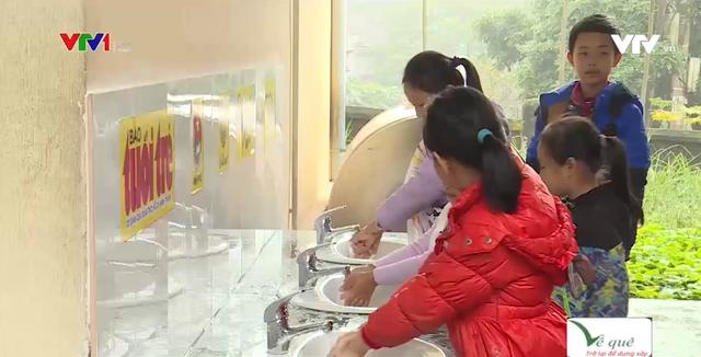 Xây dựng công trình nước sách cho học sinh vùng nguồn nước bị nhiễm phèn - Ảnh 1.