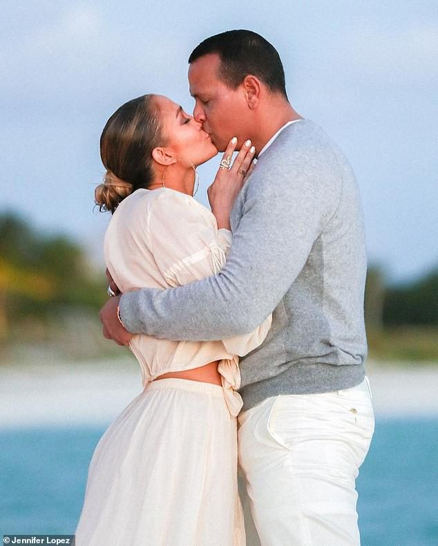 Jennifer Lopez bảo vệ chồng chưa cưới trước tin đồn ngoại tình - Ảnh 2.