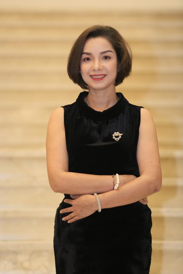 Nhà báo Trần Hồng Hà - Phó trưởng Ban tổ chức giải Sao mai 2019.