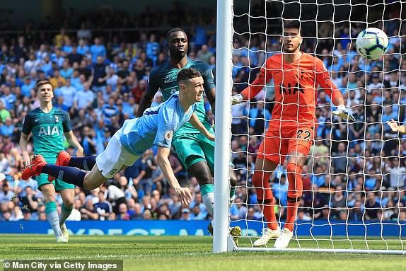 Phil Foden tiếp tục đi vào lịch sử của Manchester City - Ảnh 2.