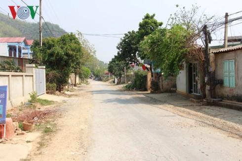 Sơn La nắng nóng kỷ lục, cuộc sống của người dân bị đảo lộn - Ảnh 2.