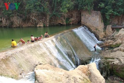 Sơn La nắng nóng kỷ lục, cuộc sống của người dân bị đảo lộn - Ảnh 12.