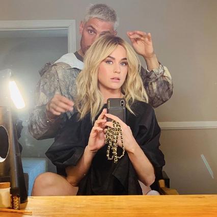 Chán tóc ngắn, Katy Perry trở lại với mái tóc dài quyến rũ - Ảnh 1.