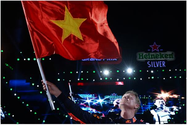 Khán giả Thủ đô mãn nhãn cùng Khởi động Formula 1 Việt Nam Grand Prix - Ảnh 1.