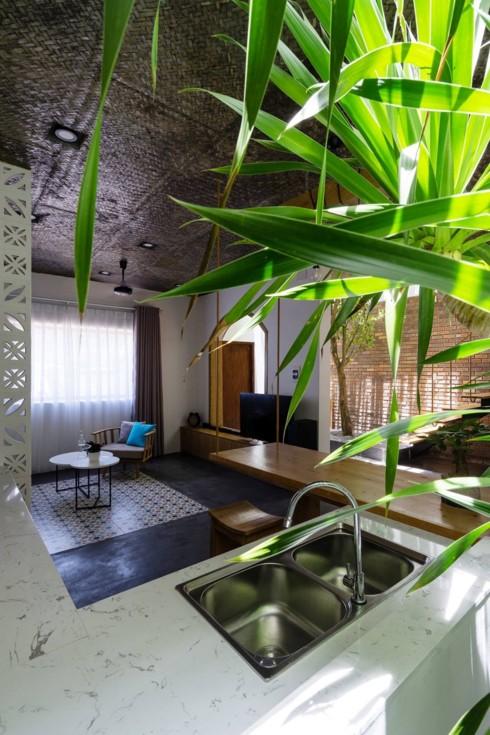 Ngôi nhà hiện đại mang phong cách nhiệt đới - Ảnh 5.