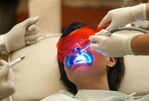 Những nguyên nhân khiến răng ê buốt - Ảnh 3.