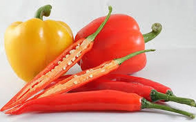 Bất ngờ với những lợi ích sức khỏe khi ăn ớt - Ảnh 1.