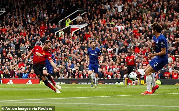 VIDEO Man Utd 1-1 Chelsea: Tội đồ De Gea - Ảnh 2.