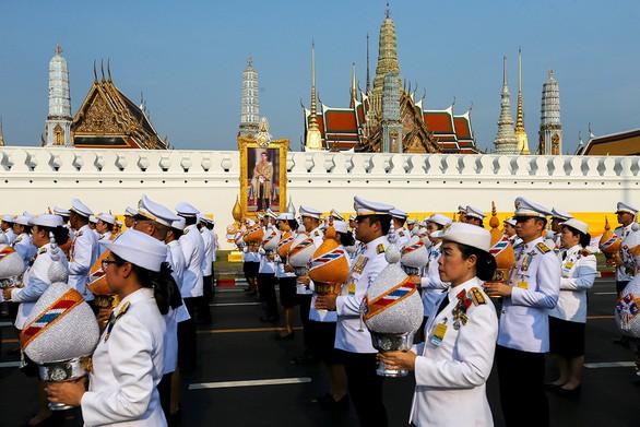 Thái Lan chi 31 triệu USD tổ chức lễ đăng quang của Nhà vua Rama X - Ảnh 1.