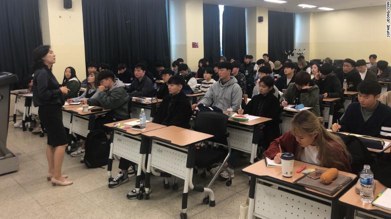 Hàn Quốc: Vấn nạn sợ yêu ở giới trẻ - Ảnh 5.