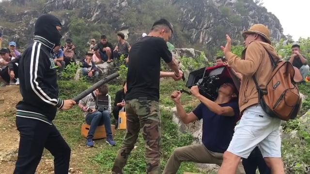 Cười ngả nghiêng với hậu trường Việt Anh đập đòn chí mạng Hồng Đăng trong Mê cung - Ảnh 1.